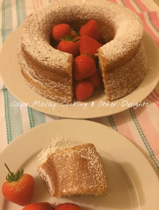 Yoghurt Cake Served With Strawberries