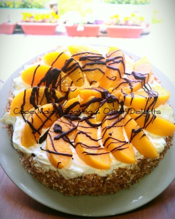 Peaches & Cream Sponge Cake